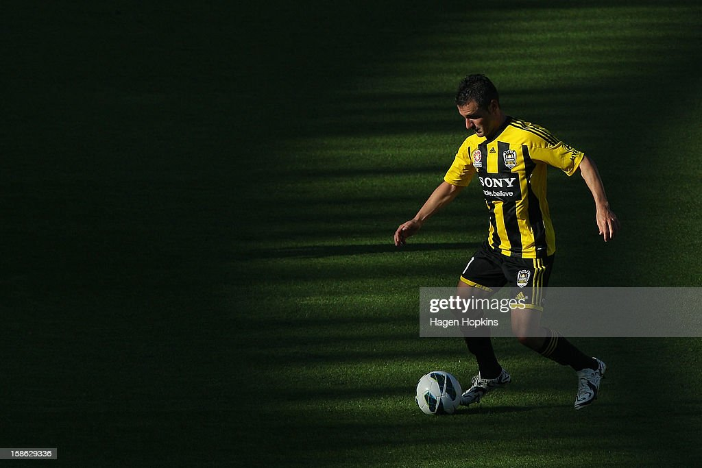 Dani Sanchez of the Phoenix controls the ball during the round 12 A-League match between the Wellington Phoenix and the Central Coast Mariners at Westpac Stadium on December 22, 2012 in Wellington, New Zealand.