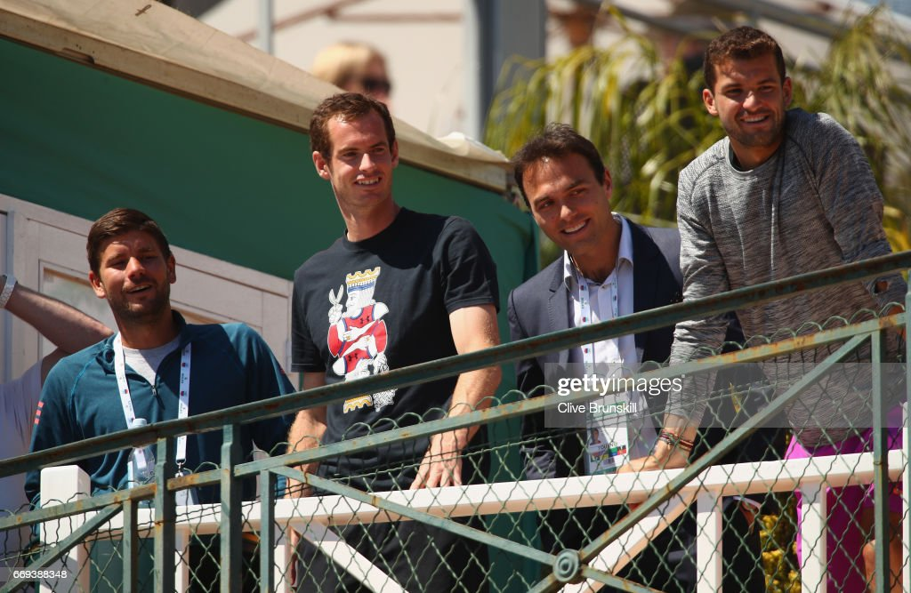 Dani Vallverdu,Andy Murray of Great Britain,Ross Hutchins and Grigor Dimitrov of Bulgaria watch Kyle Edmund of Great Britain as he plays against Dan Evans of Great Britain in their first round match on day two of the Monte Carlo Rolex Masters at Monte-Carlo Sporting Club on April 17, 2017 in Monte-Carlo, Monaco.
