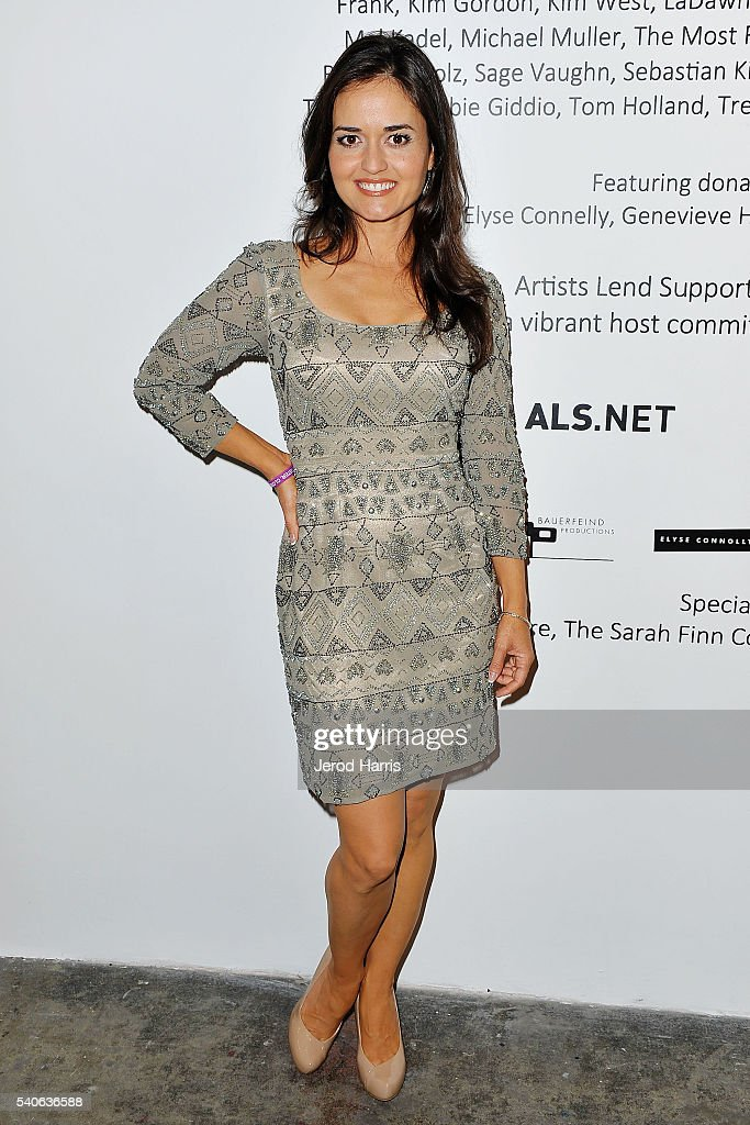 Danica McKellar attends Art For ALS at Arena 1 Gallery at the Santa Monica Art Studios on June 15, 2016 in Santa Monica, California.