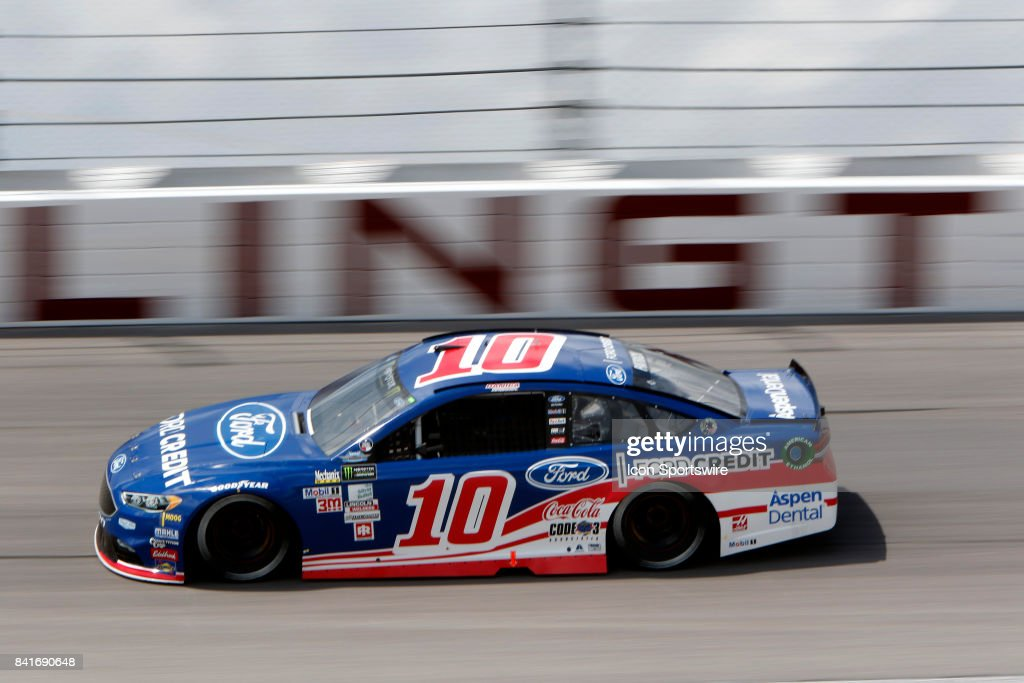 Danica Patrick (10) Stewart-Haas Racing Ford Credit Ford Fusion during practice for the Bojangles Southern 500 on September 1, 2017 at Darlington Raceway in Darlington, SC.