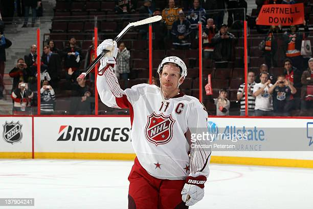 Daniel Alfredsson of the Ottawa Senators and Team Alfredsson waves to the crowd after losing to Team Chara in the 2012 Tim Hortons NHL AllStar Game...