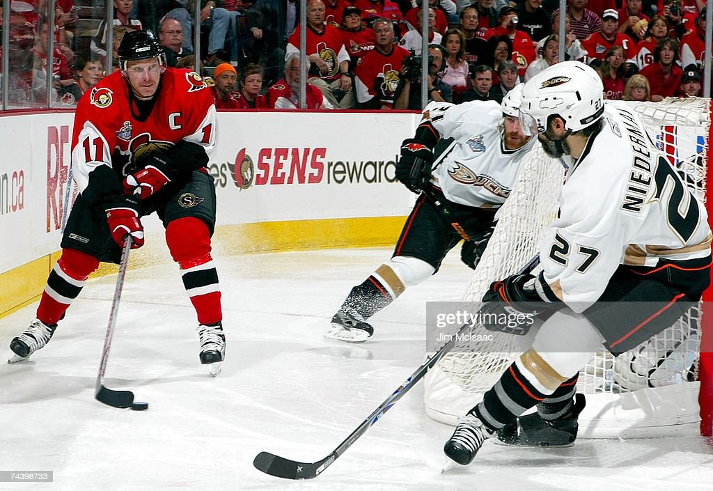 Game 4 - Anaheim Ducks v Ottawa Senators : News Photo