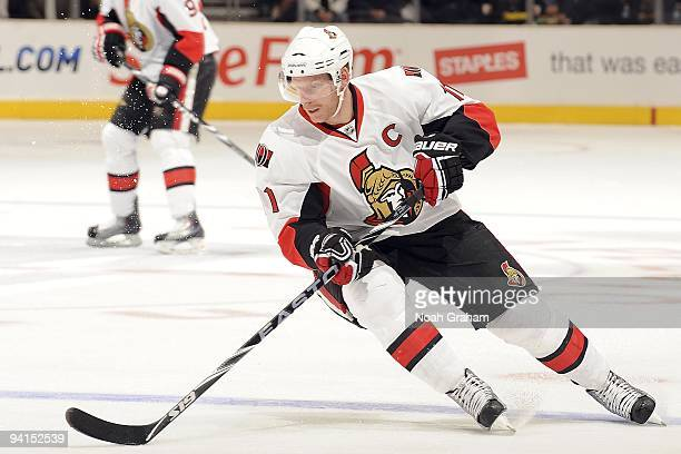 Daniel Alfredsson of the Ottawa Senators handles the puck at the blue line during the game against he Los Angeles Kings on December 3, 2009 at...