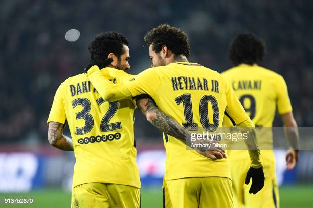 Daniel Alves and Neymar Jr of PSG celebrates a goal during the Ligue 1 match between Lille OSC and Paris Saint Germain PSG at Stade Pierre Mauroy on...