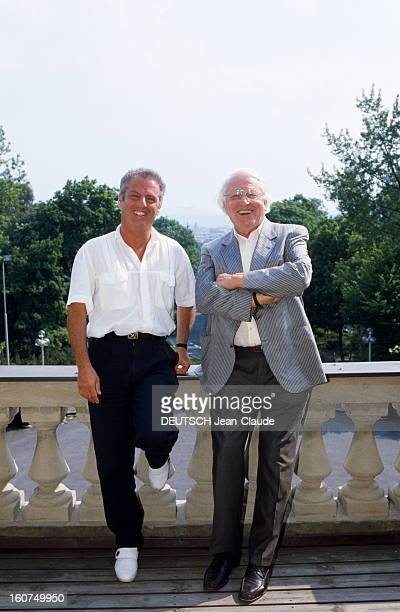 Daniel Barenboim Conducts The Tetralogy In Bayreuth Daniel BARENBOIM avec Wolfgang WAGNER petitfils de Richard Wagner sur la terrasse du...