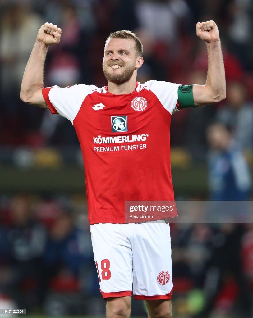 Daniel Brosinski of Mainz celebrates after the Bundesliga match between 1. FSV Mainz 05 and Sport-Club Freiburg at Opel Arena on April 16, 2018 in Mainz, Germany.