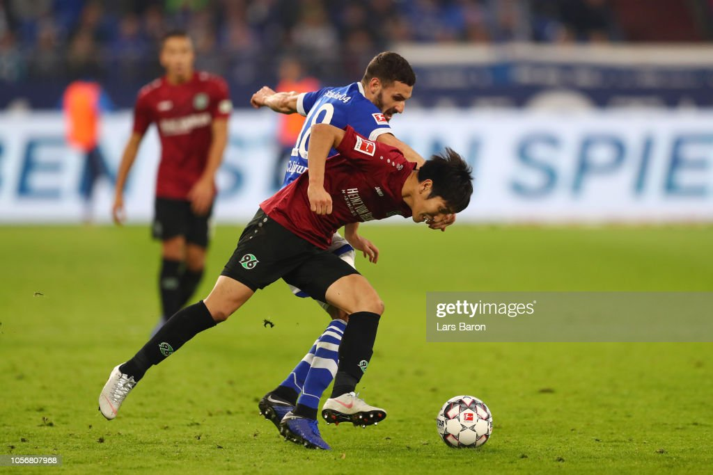 FC Schalke 04 v Hannover 96 - Bundesliga : ニュース写真