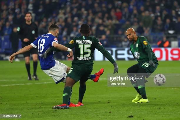Daniel Caligiuri of FC Shalke 04 scores his team's second goal during the Bundesliga match between FC Schalke 04 and VfL Wolfsburg at VeltinsArena on...