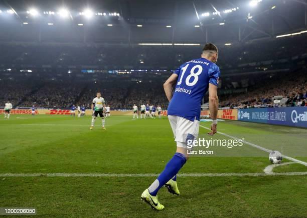 Daniel Caligiuri of Schalke kicks a corner kick during the Bundesliga match between FC Schalke 04 and Borussia Moenchengladbach at Veltins-Arena on...