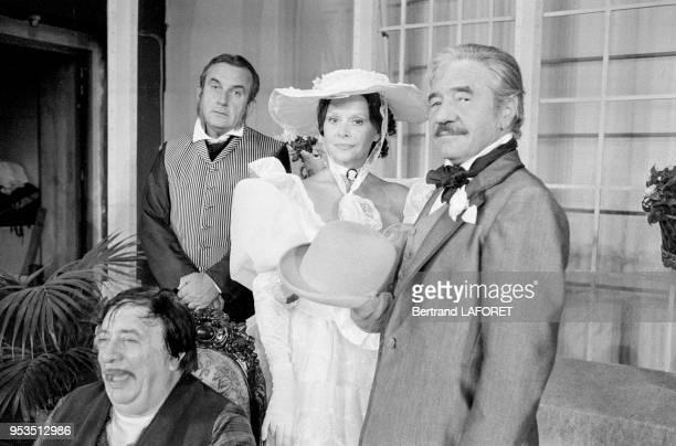Daniel Ceccaldi JeanPierre Darras et Christiane Minazzoli dans la pièce de théâtre 'Le Don Juan de la Creuse' à Paris en septembre 1983 France