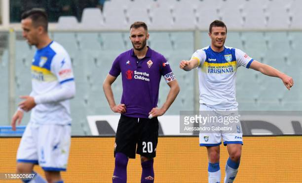 Daniel Ciofani of Frosinone Calcio celebrates after scoring the opening goal during the Serie A match between ACF Fiorentina and Frosinone Calcio at...