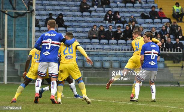 Daniel Ciofani of Frosinone Calcio score first goal during the Serie A match between UC Sampdoria and Frosinone Calcio at Stadio Luigi Ferraris on...