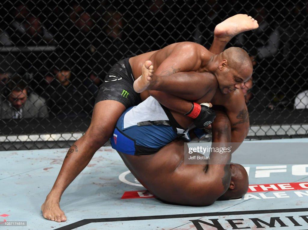 UFC 230: Cormier v Lewis : Nachrichtenfoto