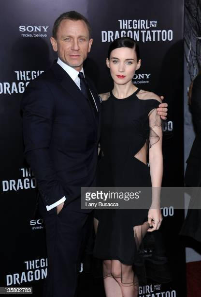 Daniel Craig and Rooney Mara attend the 'The Girl With the Dragon Tattoo' New York premiere at Ziegfeld Theater on December 14 2011 in New York City