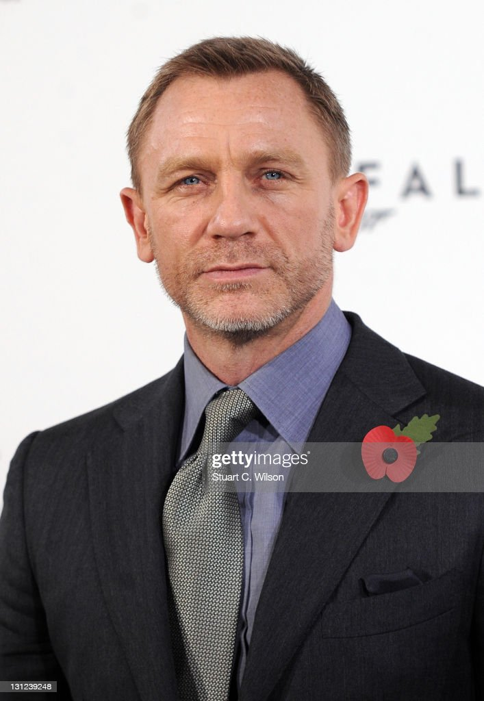Daniel Craig attends photocall with cast and filmmakers to mark the start of production which is due to commence on the 23rd Bond Film at Massimo Restaurant & Oyster Bar on November 3, 2011 in London, United Kingdom.