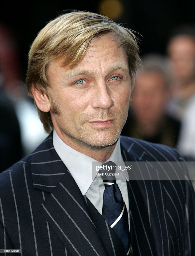 Daniel Craig Attends The 2005 Gq Men Of The Year Awards At London'S Royal Opera House. .