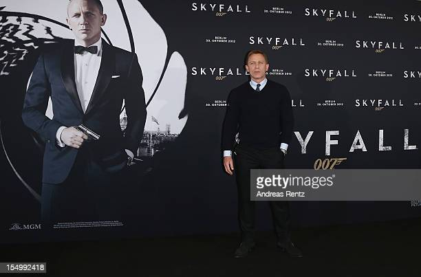 Daniel Craig attends the photocall for the film 'Skyfall' at Adlon Hotel on October 30 2012 in Berlin Germany