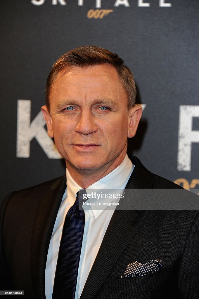 Daniel Craig attends the premiere of the latest James Bond 'Skyfall' at Cinema UGC Normandie on October 24, 2012 in Paris, France.