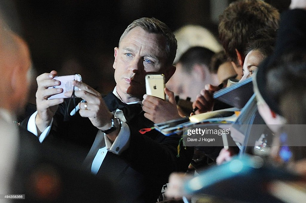 Daniel Craig attends the Royal World Premiere of 'Spectre' at Royal Albert Hall on October 26, 2015 in London, England.