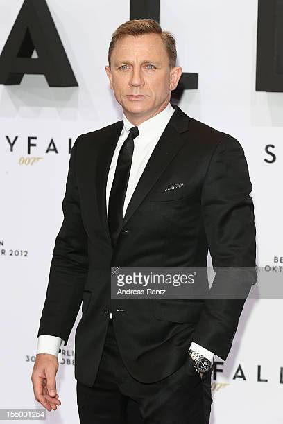 Daniel Craig attends the 'Skyfall' Germany premiere on October 30, 2012 in Berlin, Germany.