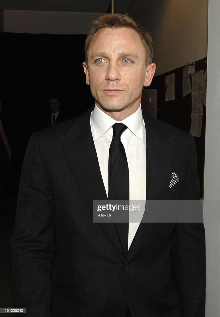 https://media.gettyimages.com/photos/daniel-craig-during-the-orange-british-academy-film-awards-2007-the-picture-id134336245