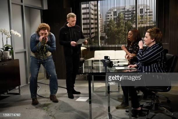 LIVE Daniel Craig Episode 1782 Pictured Beck Bennett as Franklin Hughes host Daniel Craig as himself Ego Nwodim as Margie and Aidy Bryant as Pam...