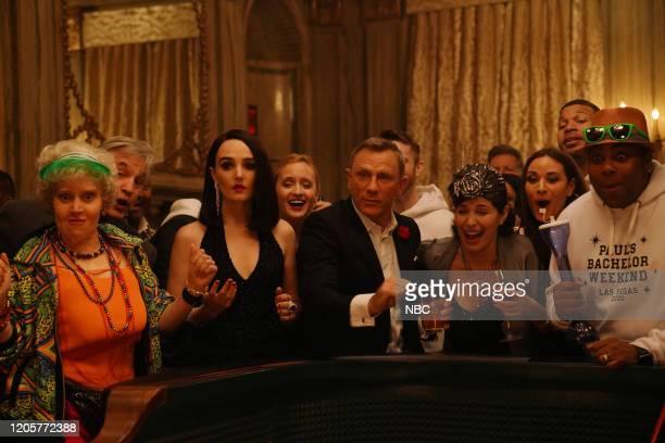 LIVE Daniel Craig Episode 1782 Pictured Kate McKinnon Chloe Fineman host Daniel Craig and Kenan Thompson during the James Bond Scene sketch on...