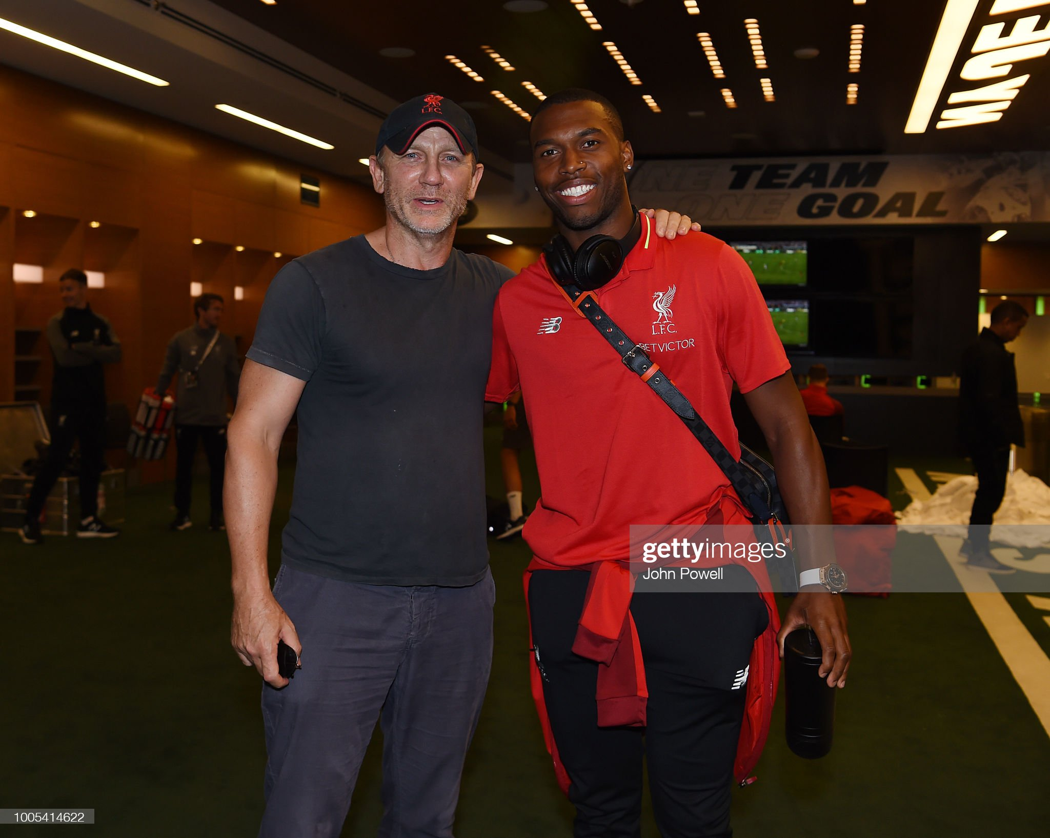 ¿Cuánto mide Daniel Sturridge? - Real height Daniel-craig-the-actor-who-plays-james-bond-posing-for-a-photograph-picture-id1005414622?s=2048x2048