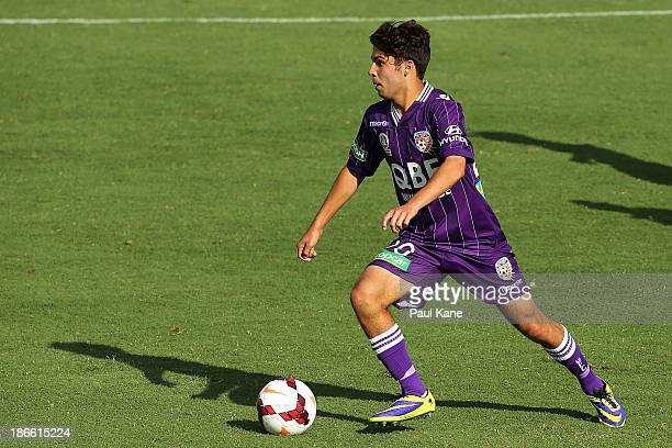 Daniel de Silva of the Glory controls the ball during the round four ALeague match between Perth Glory and Sydney FC at nib Stadium on November 2...