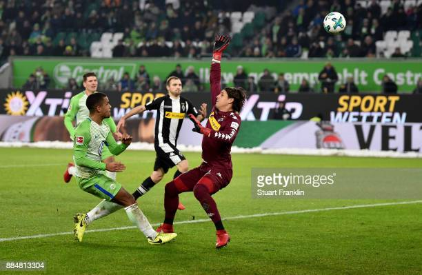 Daniel Didavi of Wolfsburg scores the second goal during the Bundesliga match between VfL Wolfsburg and Borussia Moenchengladbach at Volkswagen Arena...
