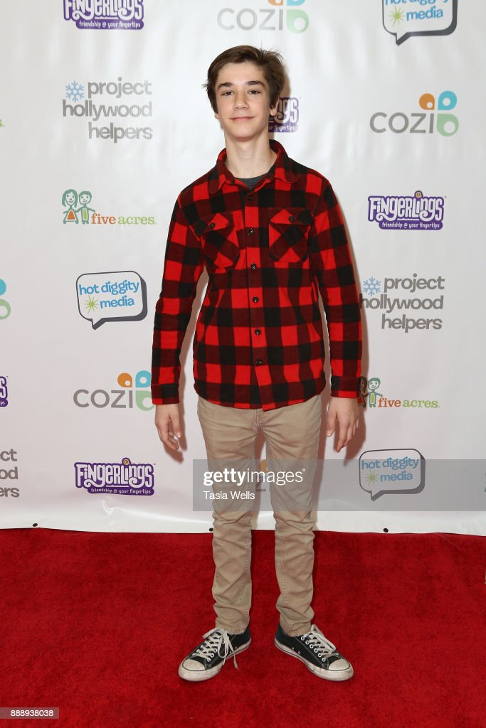 Project Hollywood Helpers - Arrivals