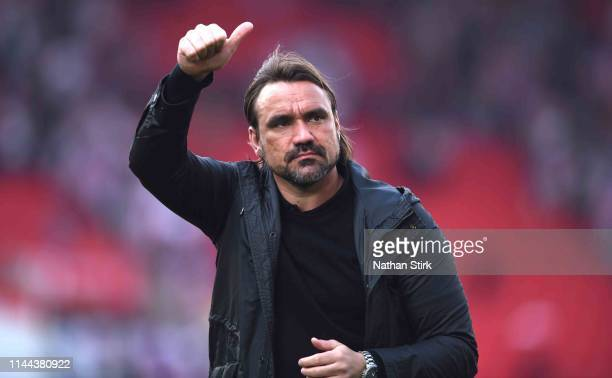 Daniel Farke manager of Norwich applauds the fans during the Sky Bet Championship match between Stoke City and Norwich City at Bet365 Stadium on...