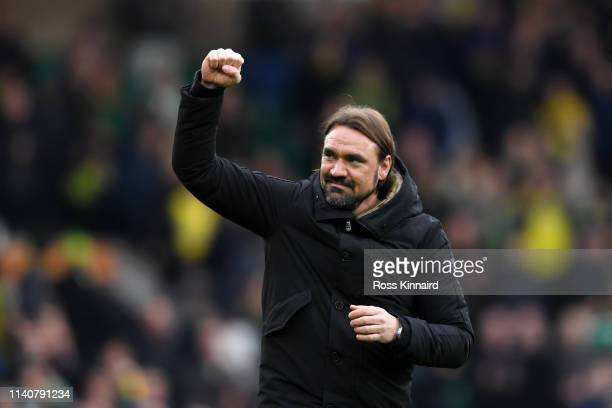 Daniel Farke, Manager of Norwich City acknowledges the fans after the Sky bet Championship match between Norwich City and Queens Park Rangers at...