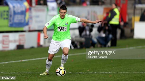 Daniel Frahn of Chemnitz runs with the ball during the 3 Liga match between SV Meppen and Chemnitzer FC at Haensch Arena on November 4 2017 in Meppen...