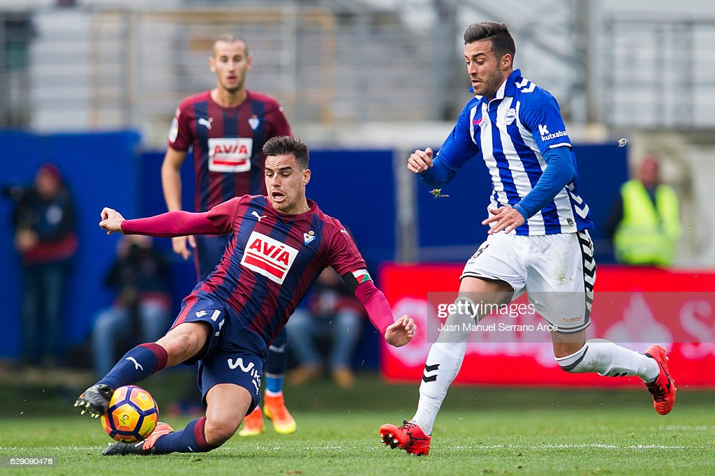Daniel Garcia of SD Eibar duels for the ball with Victor Camarasaof Deportivo Alaves during the La Liga match between SD Eibar and Deportivo Alaves at Ipurua Municipal Stadium on December 11, 2016 in Eibar, Spain.
