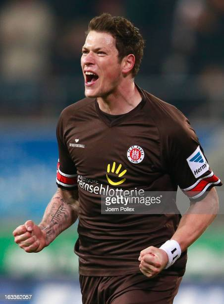 Daniel Ginczek of St. Pauli celebrates after scoring his team's second goal during the Second Bundesliga match between FC St. Pauli and SSV Jahn...