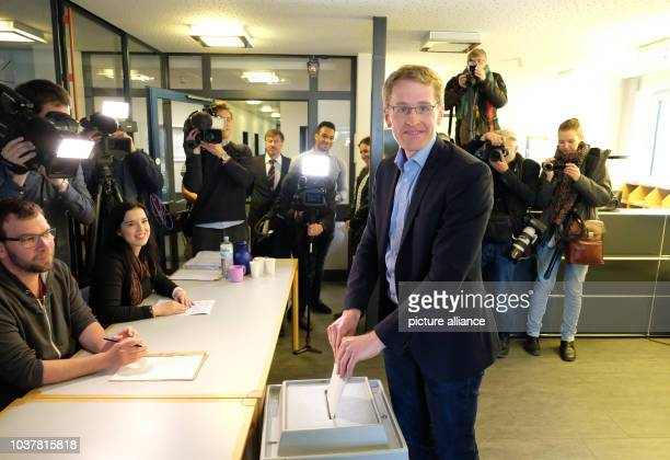 Daniel Guenther leading candidate of the CDU party casts his vote at a polling station in Eckernfoerde Germany 7 May 2017 232 million elligible...