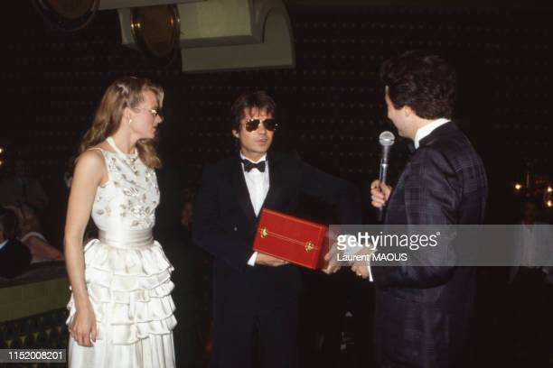 Daniel Guichard et Michel Drucker lors de la soirée Cartier le 29 mars 1983 à Port El Kantaoui Tunisie