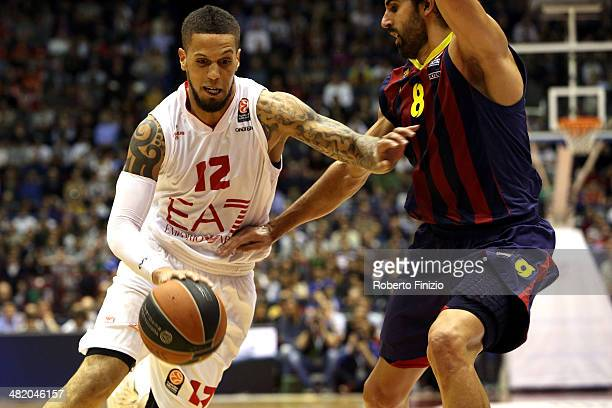 Daniel Hackett, #12 of EA7 Emporio Armani Milan in action during the 2013-2014 Turkish Airlines Euroleague Top 16 Date 13 game between EA7 Emporio...