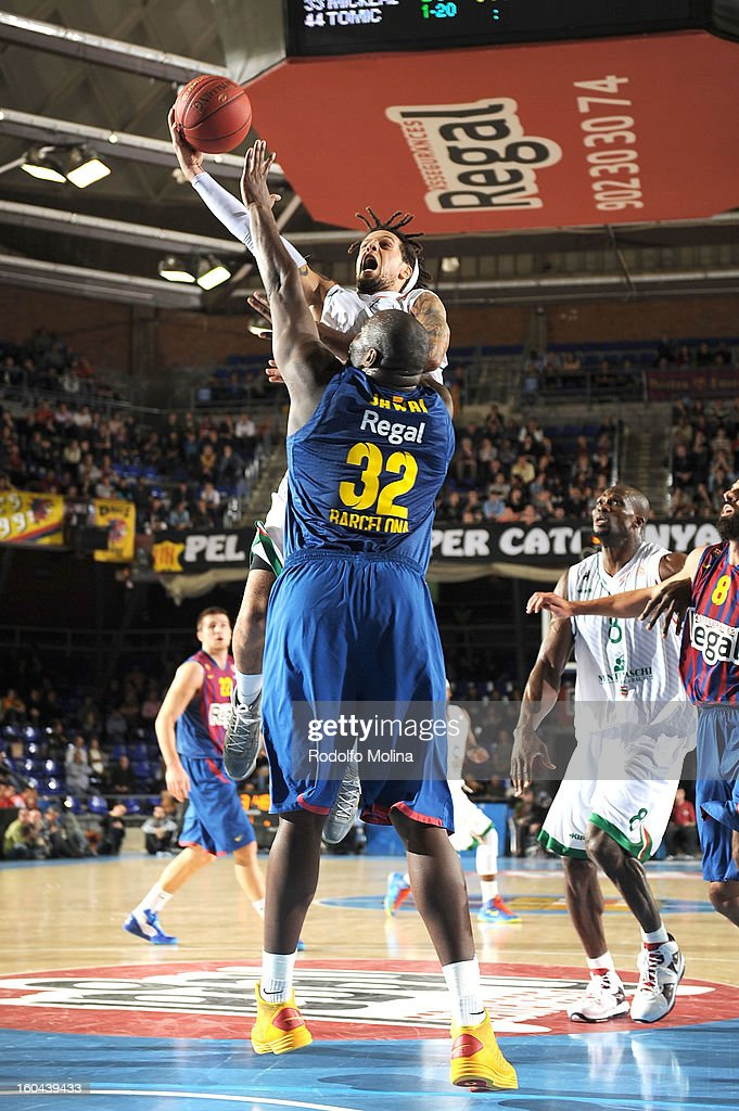 Daniel Hackett, #23 of Montepaschi Siena in action during the 2012-2013 Turkish Airlines Euroleague Top 16 Date 6 between FC Barcelona Regal v Montepaschi Siena at Palau Blaugrana on January 31, 2013 in Barcelona, Spain.