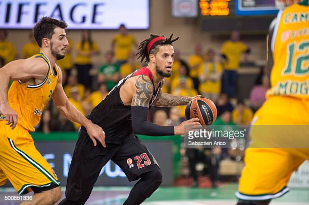 Daniel Hackett #23 of Olympiacos Piraeus in action during the Turkish Airlines Euroleague Basketball Regular Season Round 9 game between Limoges CSP...