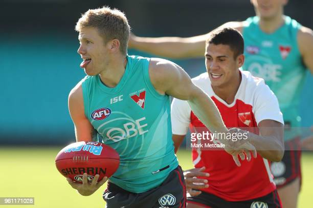 Daniel Hannebery of the Swans in action during a Sydney Swans AFL training session at Sydney Cricket Ground on May 22 2018 in Sydney Australia