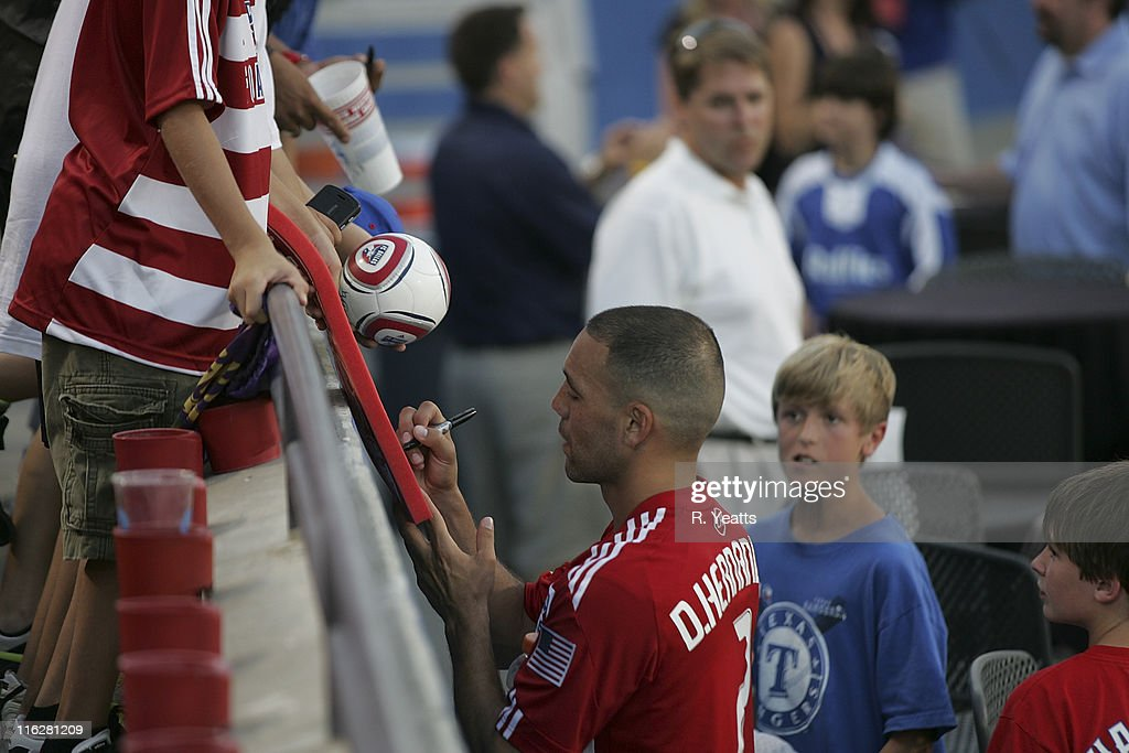 Sporting Kansas City v FC Dallas : News Photo