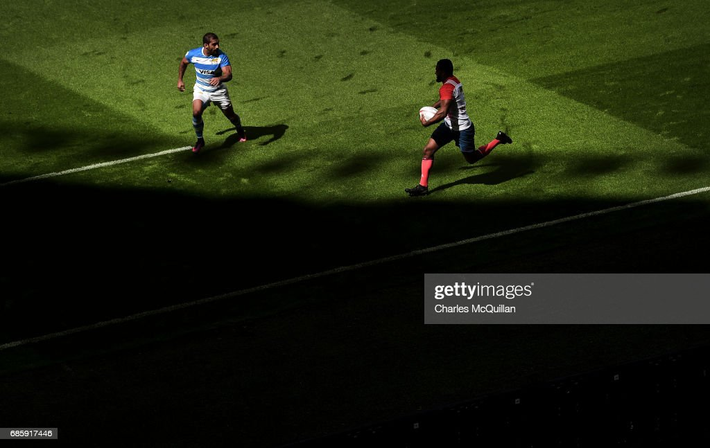 Daniel Ikpefan (R) of France and Gaston Revol (L) of Argentina during the HSBC London Sevens at Twickenham Stadium on May 20, 2017 in London, United Kingdom.