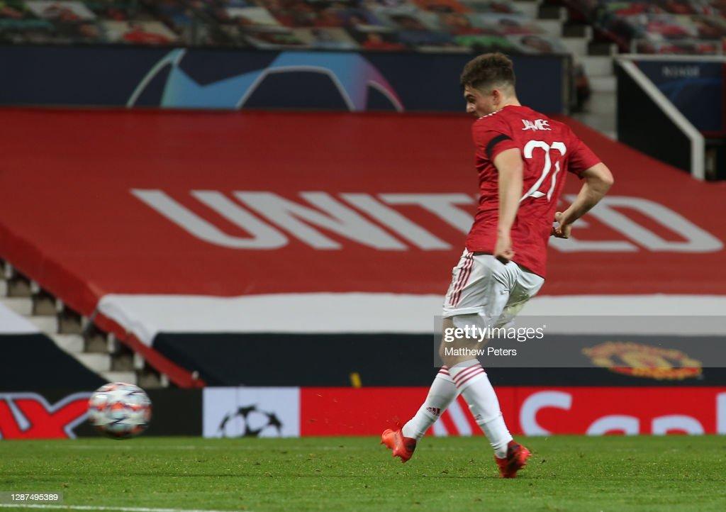 Manchester United v İstanbul Basaksehir: Group H - UEFA Champions League : News Photo