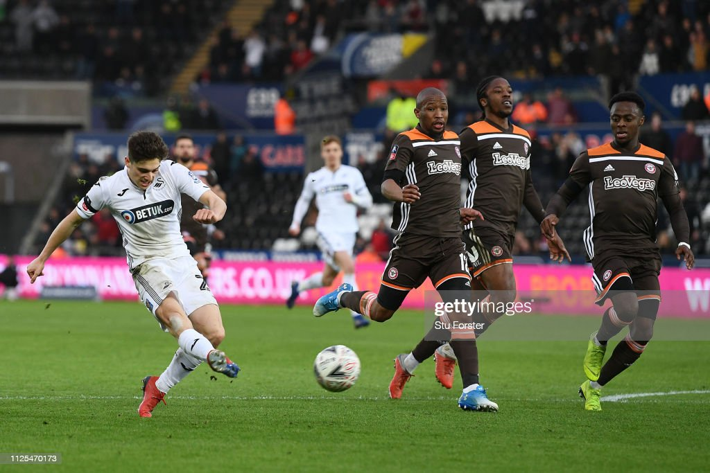 Swansea v Brentford - FA Cup Fifth Round : News Photo