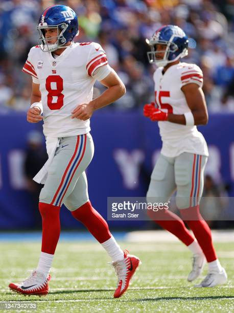 Daniel Jones of the New York Giants leaves the field during the first half against the Los Angeles Rams at MetLife Stadium on October 17, 2021 in...