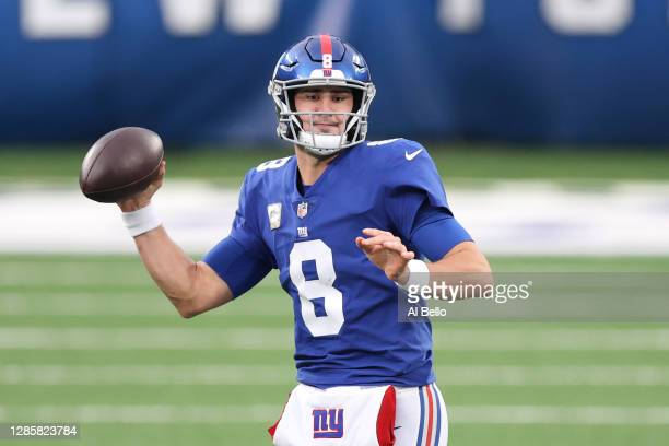 Daniel Jones of the New York Giants looks to pass during the first half against the Philadelphia Eagles at MetLife Stadium on November 15, 2020 in...