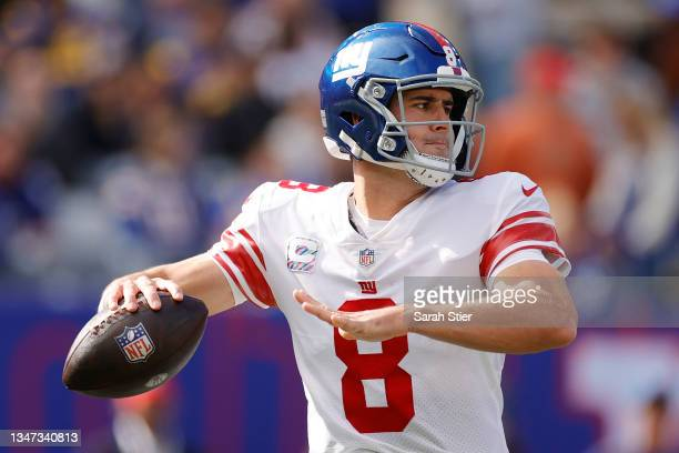 Daniel Jones of the New York Giants looks to pass during the first half against the Los Angeles Rams at MetLife Stadium on October 17, 2021 in East...