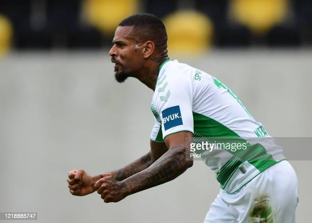 Daniel Keita-Ruel of SpVgg Greuther Fuerth celebrates after scoring his team's first goal during the Second Bundesliga match between SG Dynamo...
